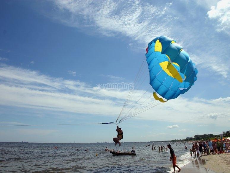 Falling to the sea