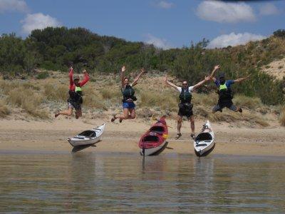 在皮划艇野生海岸梅诺卡岛探险4天