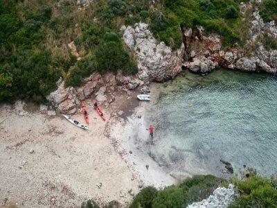 8天在皮划艇返回梅诺卡岛