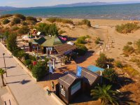 Our windsurfing school on the shores of the Mediterranean
