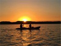 Ruta en kayak con luna llena embalse de la Breña