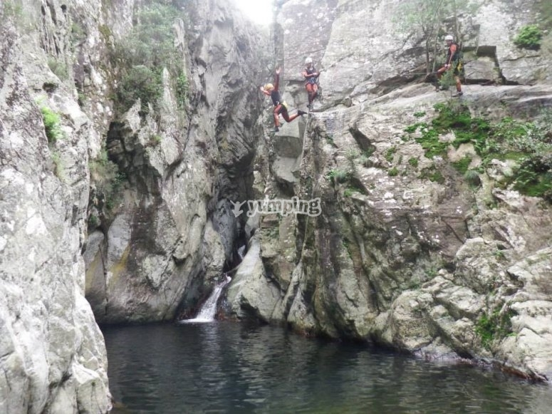 Jump in the water in the canyon Les Anelles