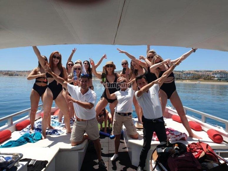 海上女孩节