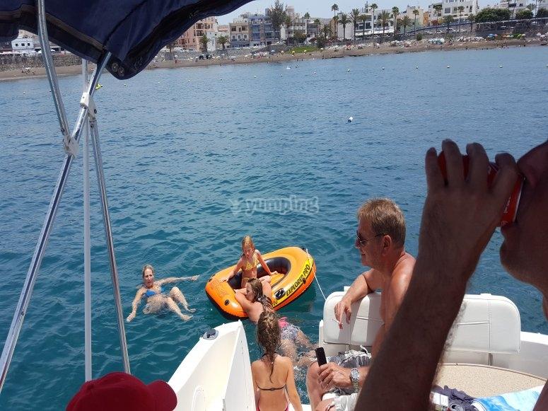 Jugando en el mar