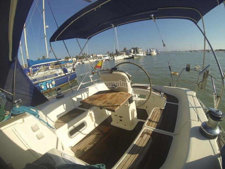 Alquila nuestras embarcaciones