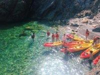 Piragüismo en cala La Rijana y snorkel 2 horas