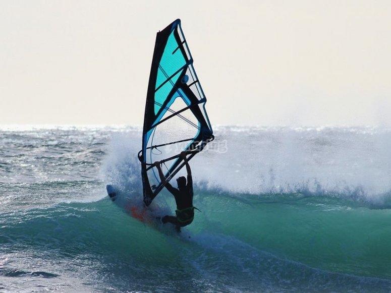组合风帆冲浪