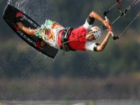 praticare il kitesurf