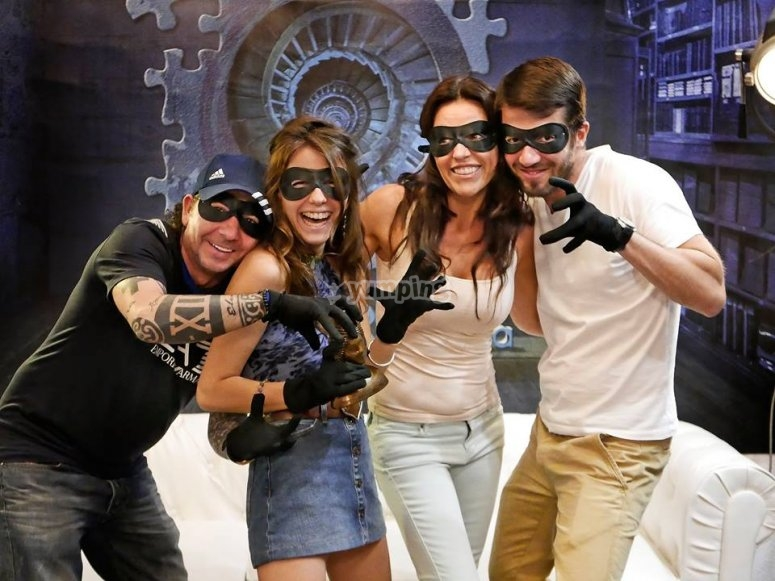 Grupo de ladrones juego de escape Ibiza