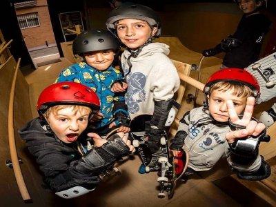 在马德里滑冰学校,四节课1小时
