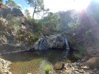 Pequeña laguna en la localidad de Casares