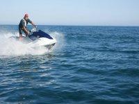 Alquilar moto de agua biplaza en Marbella 30 min