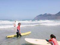 Famara的冲浪学生