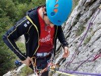 Assicurandoci nell'arrampicata