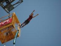 在滨海略雷特的蹦极跳跃类型