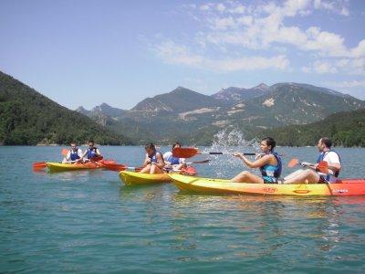 Gymkana en kayak en Pantano de la Baells en Serchs