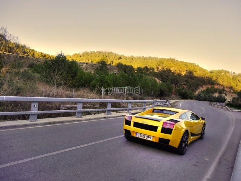 Lamborghini en la carretera