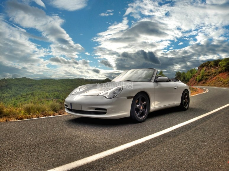 Porsche y paisaje