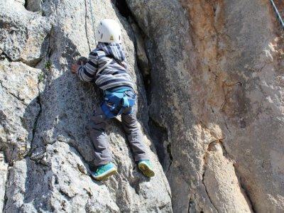 Azuela Ecoformación, Turismo y Deporte Campamentos Multiaventura
