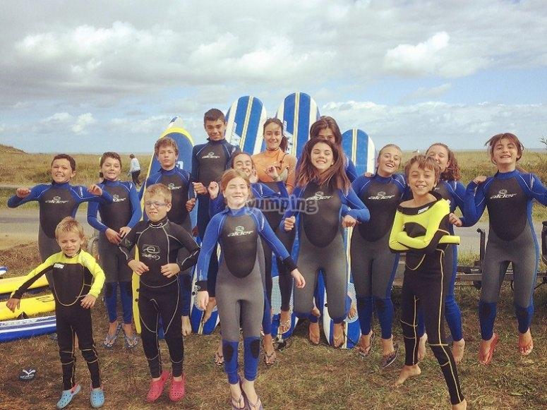 Il gruppo di surf dopo le lezioni