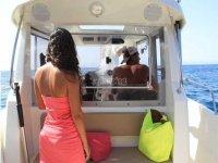 Paseo en Barco y Pesca