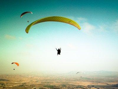 Parapente sobre mar y montañas de Alicante 40 min