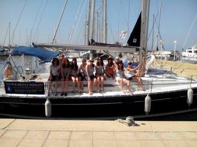 Paseo en barco por la costa de Almería de 2h 30min