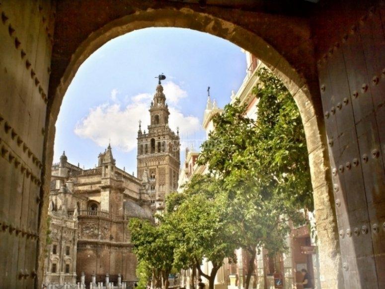 Barrio Santa Cruz Cathedral