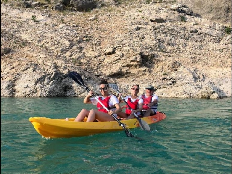 Kayak para tres