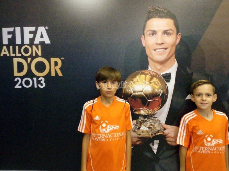 Foto con el balon de oro