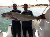 Disfruta de una jornada de pesca en Sancti Petri