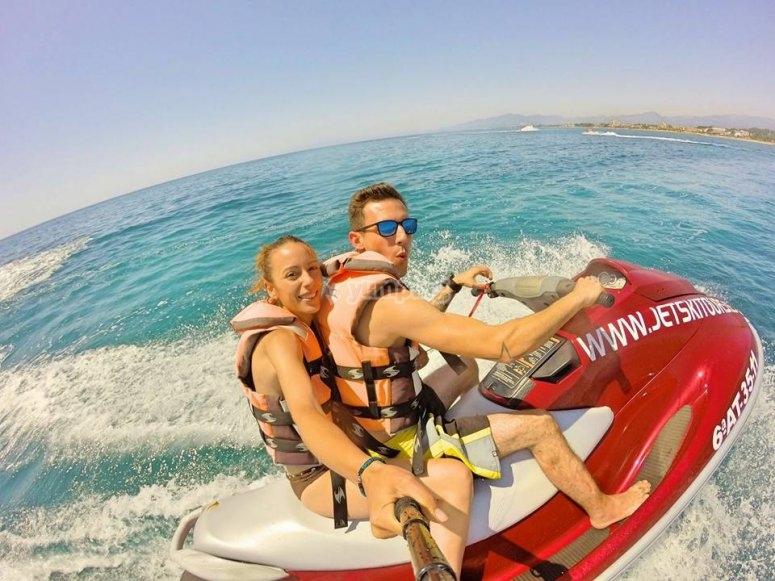 Selfie su moto d'acqua