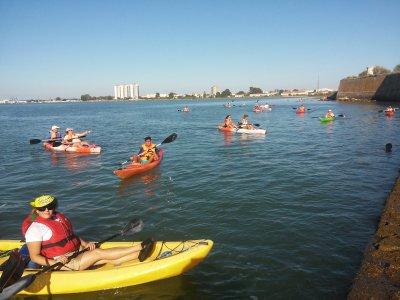 Children Kayaking course in Cádiz 2h