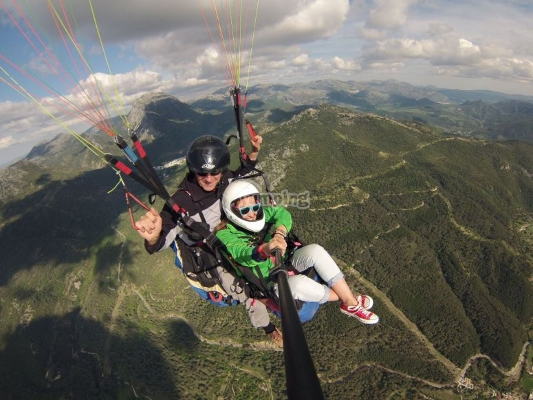 Paraglide over green areas