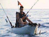 Pescando in un kayak