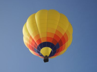Exclusive hot-air balloon flight in Girona couples