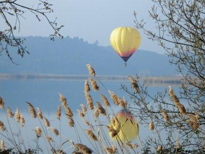 Volo in mongolfiera a Montseny, in esclusiva per due