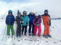 滑雪带小孩