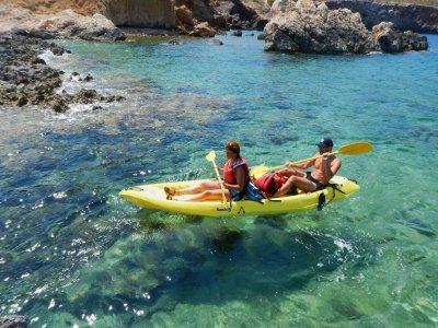 Ruta de kayak en Ibiza con snorkel