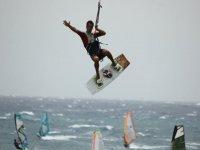 学会在特内里费风筝冲浪风筝冲浪假期 -