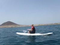我们有专业的导游学习在特内里费监视器桨冲浪练习桨冲浪