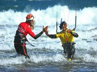 Learn to practice kitesurfing