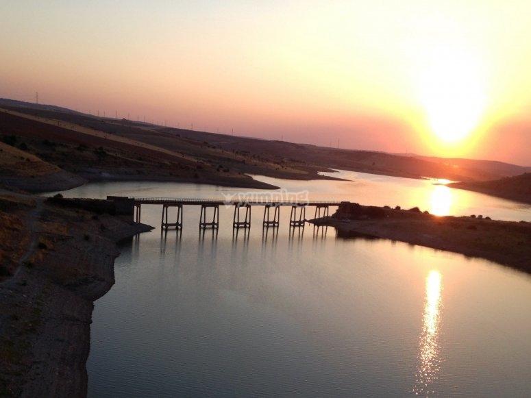 日落时的泻湖