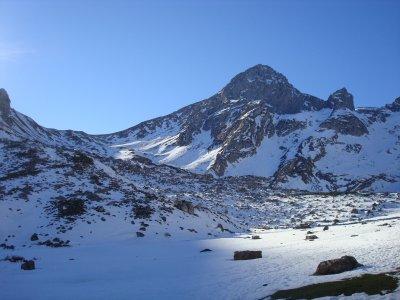 Trekking at the Peña Ubiña Massif 4 days