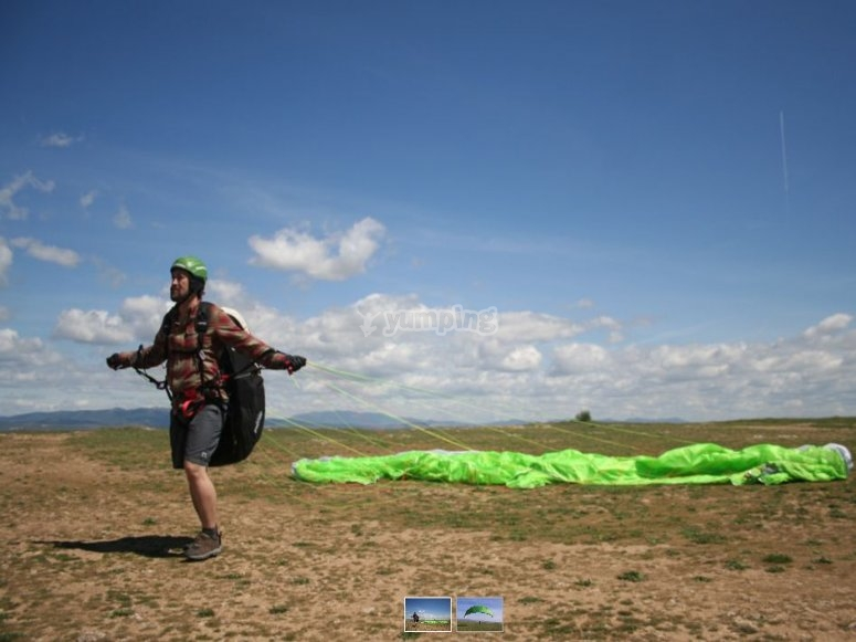Learning how to handle the paraglider