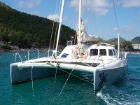 Disfrutando en catamaran
