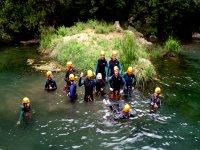在Sierra de las Nieves的Zarzalones溪降