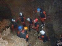 Expedición en la cueva.