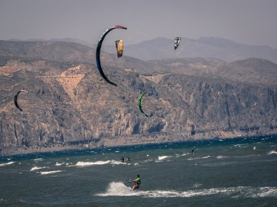 Basic training in kitesurfing in Nerja