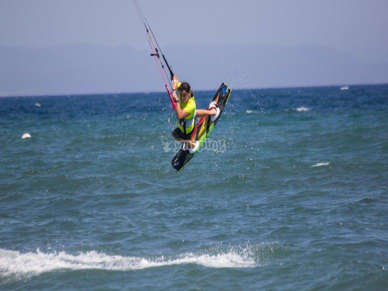 跳跃水与风筝冲浪